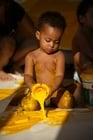 Foto barn med maling